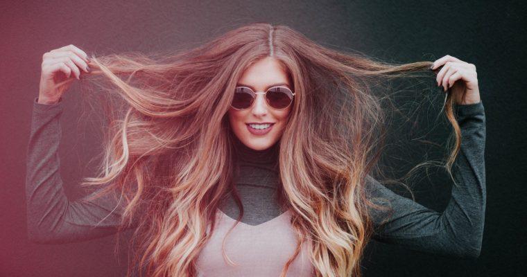Chute de cheveux à l'automne : que faire ?